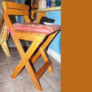 bradluthin-oak-rustic-wood-stool-01-1